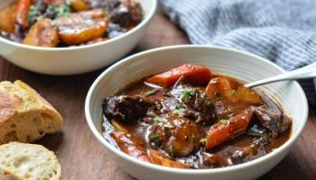 Recept / Jednostavno i brzo varivo od teletine, kupusa, mrkve i krompira